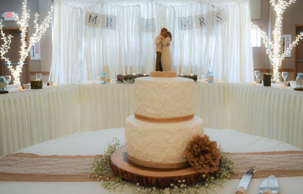 cake table and head table at country wedding