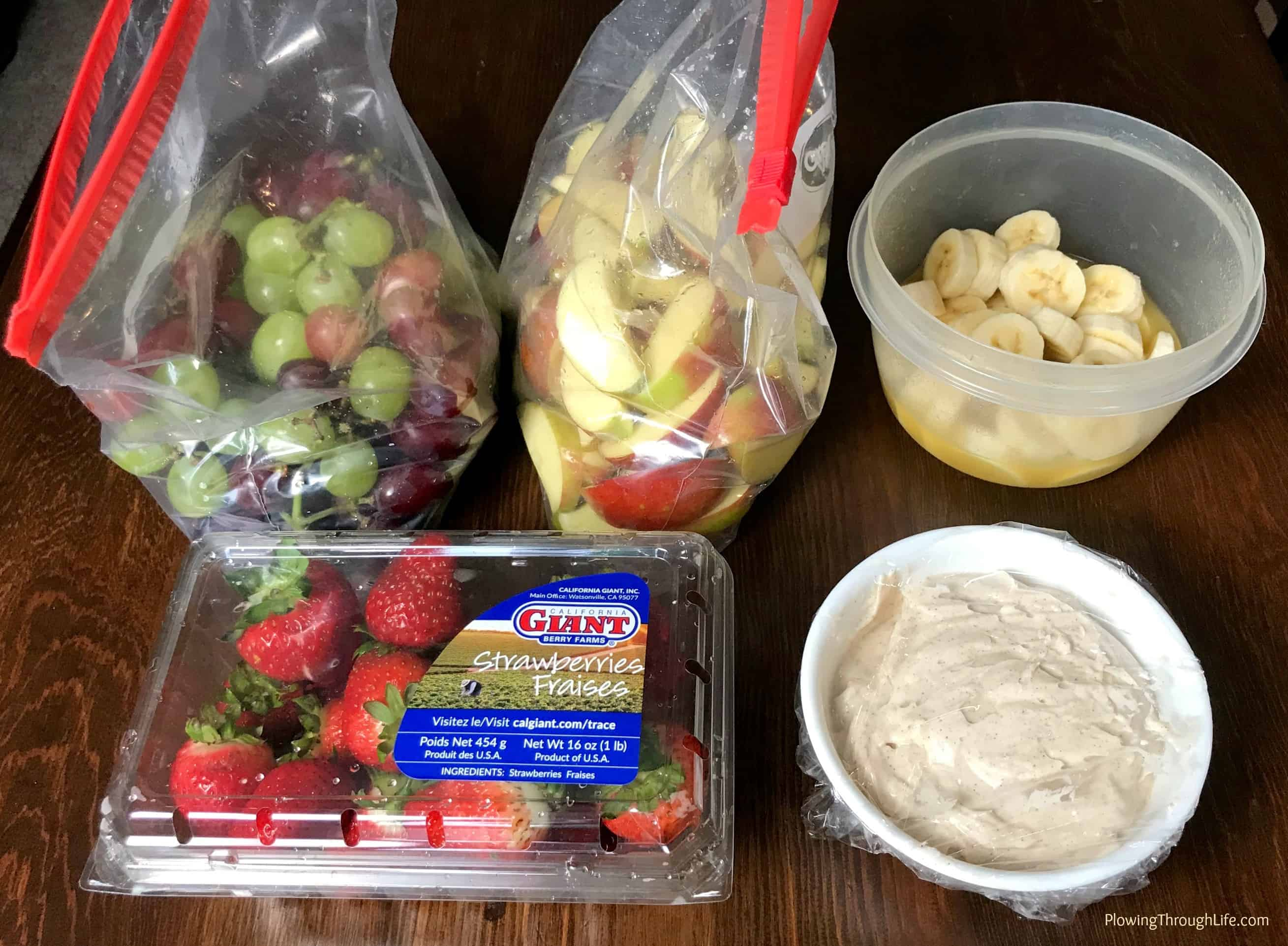 ideas for storing and transporting ingredients for a fruit tray
