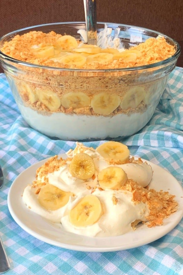 This creamy no-bake banana dessert is so easy and a real crowd pleaser! Banana Creamer is cool and refreshing for hot summer days. We love sharing this banana cream dessert with graham crackers!