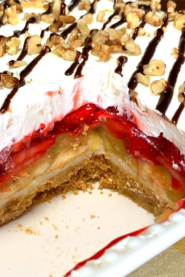 graham cracker crust and fruit layers with fresh strawberries and bananas