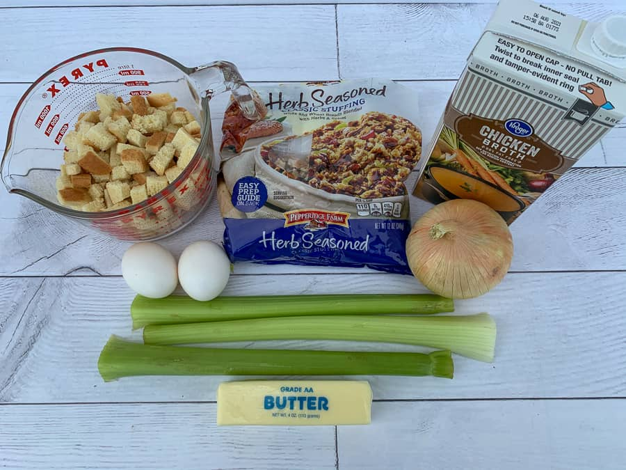 Ingredients needed to make easy Farmhouse dressing