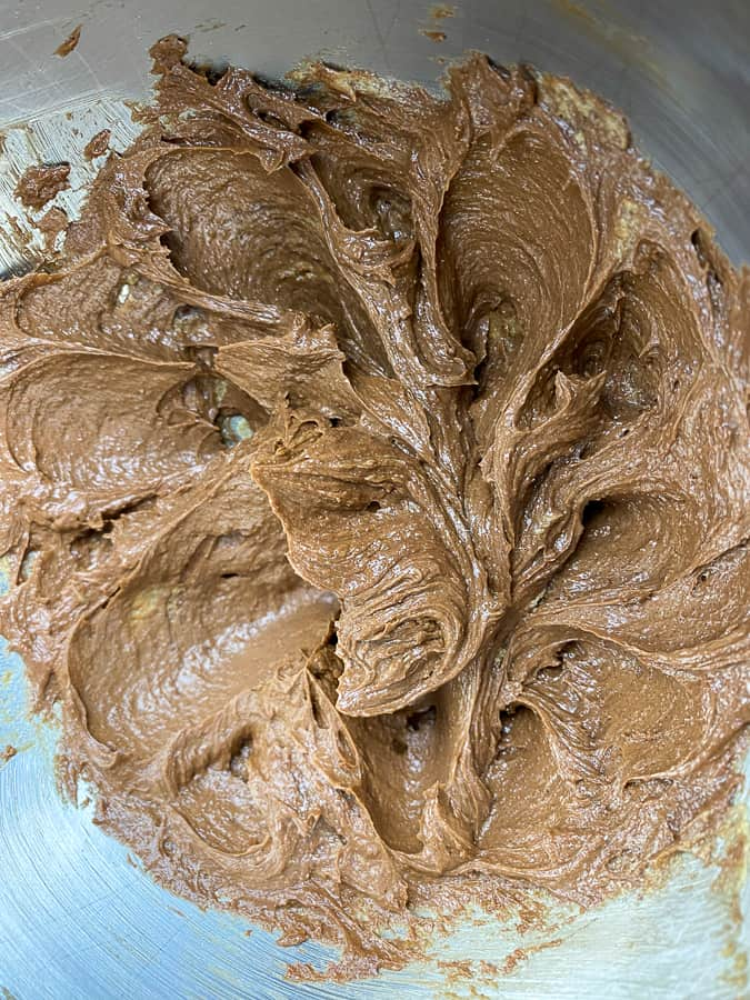 Well mixed melted chocolate into butter mixture
