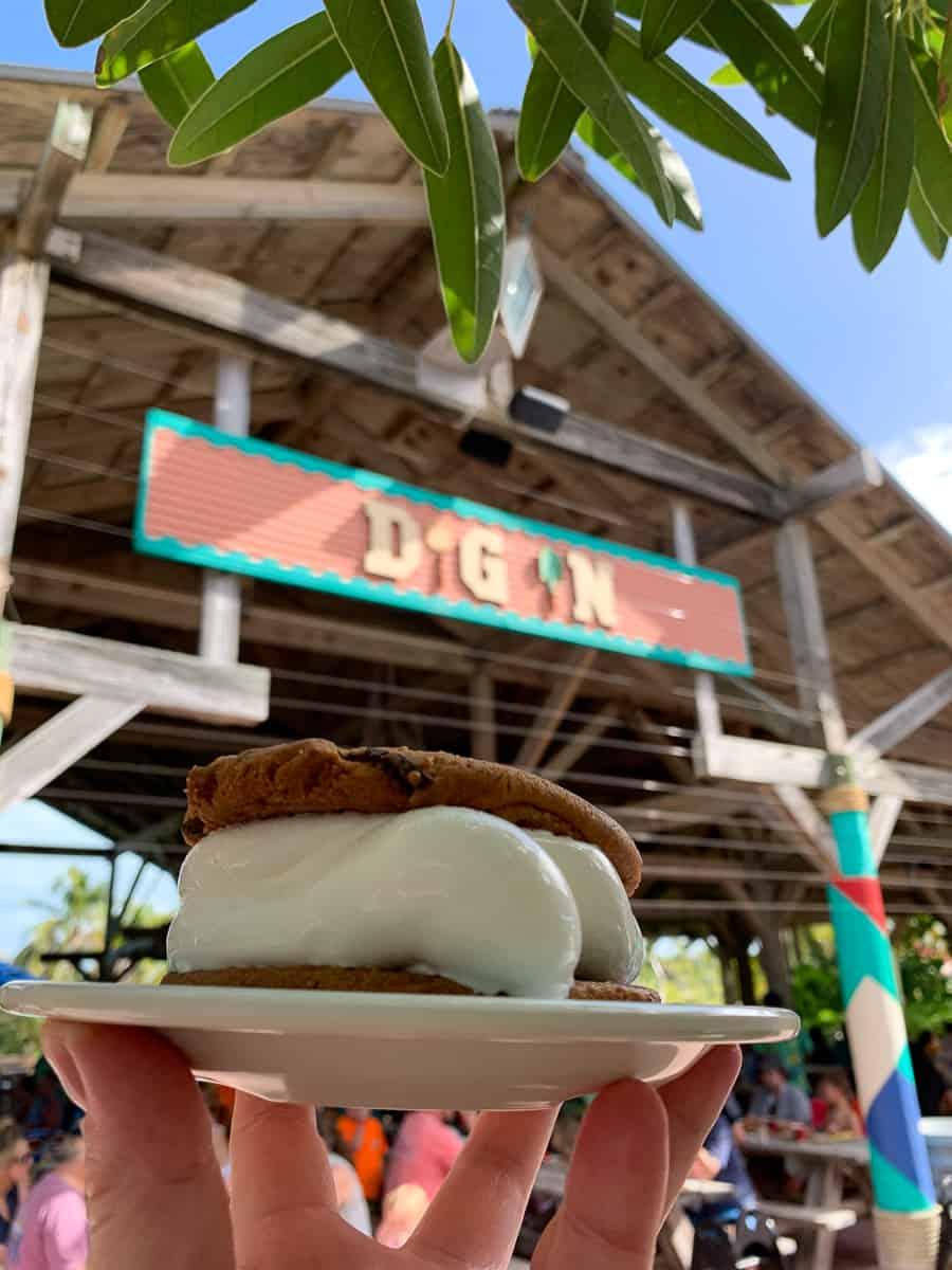 Ice cream sandwich by Cookie's BBQ